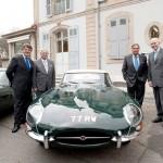 AUTO: salone di Ginevra, passerella per la leggendaria Jaguar E-Type