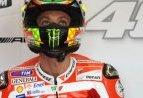 MOTOGP: Continuano le polemiche Valentino-Stoner dopo l'incidente