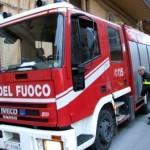 BORGO SAN LORENZO: Incendio nel primo pomeriggio nei pressi del municipio. In fiamme un camion-gru