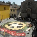 SCARPERIA: Domenica profumi e colori per la tradizionale Infiorata