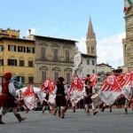 SCARPERIA: Sabato in Piazza Signoria a Firenze, gemellagio storico per i Bandierai di Castel San Barnaba