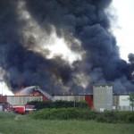 CAMPI BISENZIO: grave incendio in corso all'edificio della MALO spa
