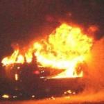 INCIDENTI: auto in fiamme esplode sulla Fi-Pi-Li, schizza bombola del metano