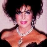 """CHRISTIE'S: Battuta per 11,8 milioni di dollari """"La Peregrina"""" mitica perla appartenuta a Liz Taylor"""