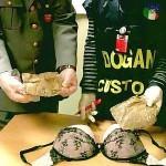 """ROMA: """"Che bambola!"""" Ma il """"lato B"""" era di cocaina!"""
