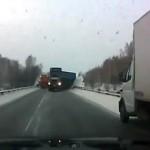 """PIRELLI: Presentato il """"Cyber Fleet"""" dedicato ai camion. Sicurezza in piu su strade ghiacciate"""