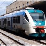 FREDDO: Il ghiaccio blocca la linea ferroviaria tra Firenze e Arezzo, pesanti i ritardi