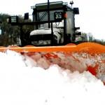 """TOSCANA: Contro la neve entrano in azione i trattori degli """"agricoltori-spazzaneve"""" della Coldiretti."""