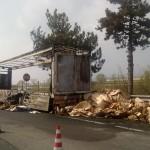 FI-PI-LI: Tir in fiamme, traffico a lungo bloccato. La foto dell'incendio