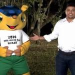 """BRASILE: Ronaldo presenta """"tatu bola"""" l'armadillo che sarà mascotte dei mondiali di calcio 2014"""