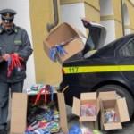PRATO: 100.000 capi d'abbigliamento e 40.000 farmaci sequestrati. 32 cinesi e 5 italiani denunciati dalla Finanza