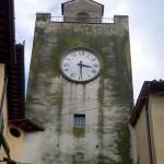 BORGO SAN LORENZO: L'ora torna a correre in piazza. Riparato l'orologio della torre