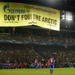 CALCIO: 23 feriti e 27 fermati, una protesta di Greenpeace. La movimentata serata di Champions a Basilea