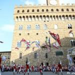 FIRENZE: Celebrato il gemellaggio tra Bandierai degli Uffizi e quelli di Scarperia