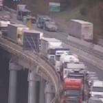 Autostrada – Incidente tra due camion causa lunghe code – La situazione