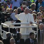 Papa Francesco allo stadio Franchi di Firenze – Reportage fotografico