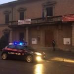 Borgo San Lorenzo – Pregiudicato incendia portone del Municipio. Arrestato dai Carabinieri