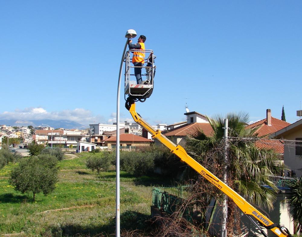 Illuminazione pubblica a led e smart per il risparmio energetico a Dicomano, ...