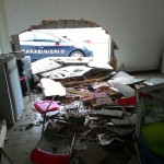 Firenze – Sfondano muro di un magazzino con l'auto per rubare rame. Un arrestato ma proseguono ricerche