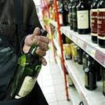 Firenze – Compra generi alimentari per 180 € e paga solo la busta della spesa – Arrestato