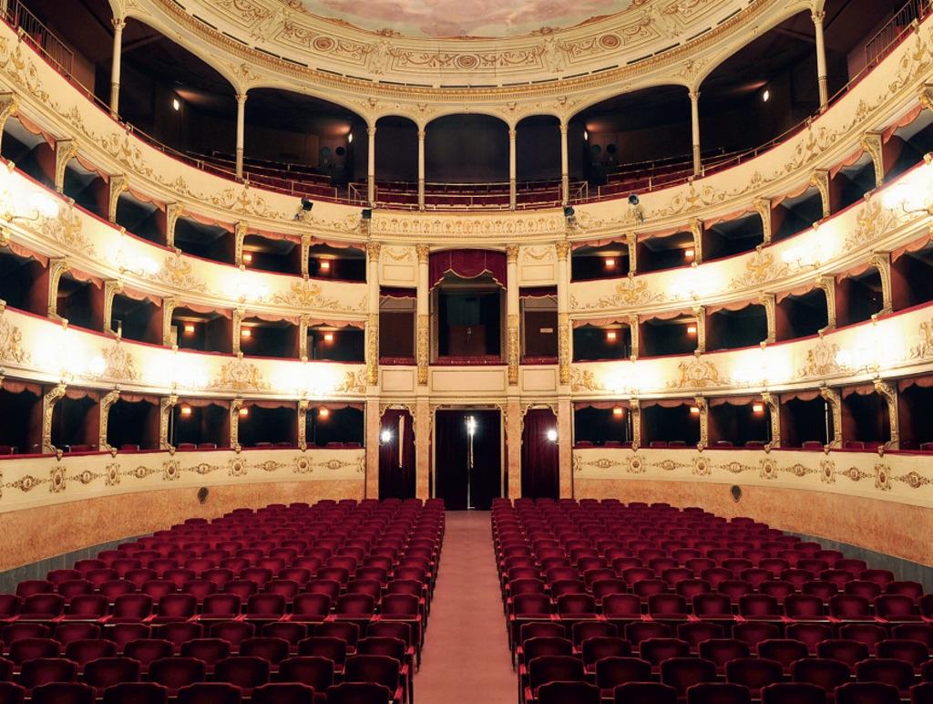 """Firenze – Al teatro La Pergola """"Istruzioni per non morire in pace"""""""